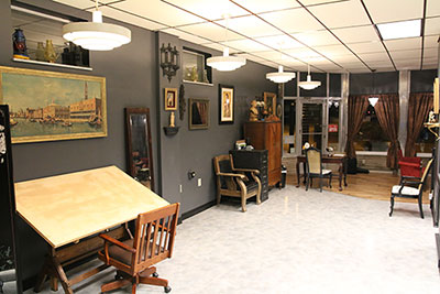 Get Up Tattoo Society Interior Reverse